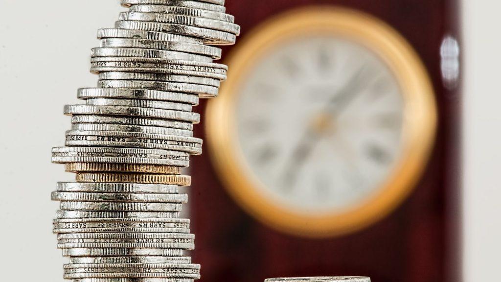מטבעות ושעון – קרן פנסיה לגיל הפרישה