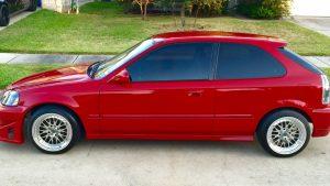 רכב משפחתי אדום – ביטוח רכב משפחתי