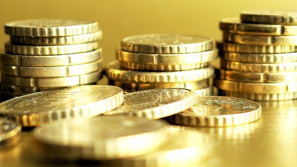 מטבעות מוזהבים – ביטוח מנהלים