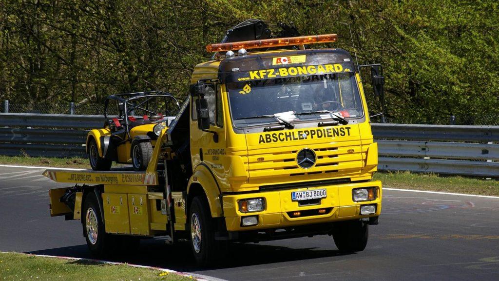 משאית גרר - שירותי רכב וגרירה